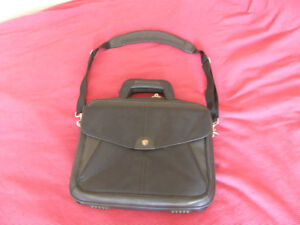 """Targus City Gear Carrying Case for 17"""" Laptop"""