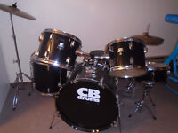 CB Drums 5 Piece 300$  ***PLEASE VIEW POSTER'S OTHER ADS***  FR