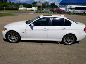 Selling 2007 BMW 328i only 190k LIKE NEW NO GST