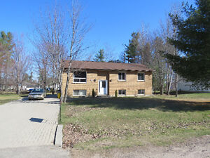 House for sale  MLS # 1001732   12 Cardinal Cr. Petawawa Ontario