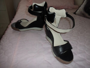 ladies shoes-blk and white wedge size 6 shoes. like new. 5.00