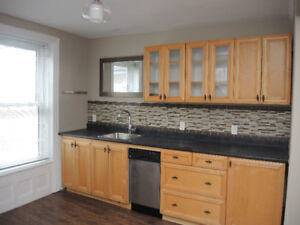 33 Rideau St Apt #1 - Available May 1, 2018
