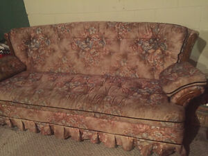 Couch for sale London Ontario image 1