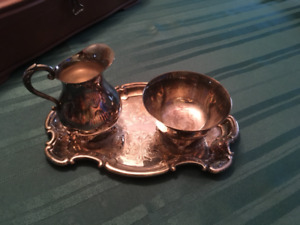 Rogers 2136 silver cream and sugar set with tray.