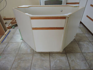 Kitchen base cabinets - white - 3 units