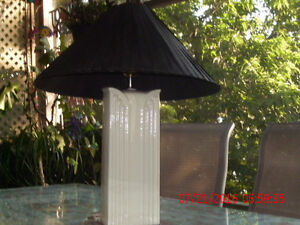 TALL CERAMIC CHINESE STYLE LAMP
