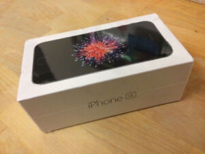 iPhone SE 32 GB - Brand new  unwrapped unlocked  Space Grey