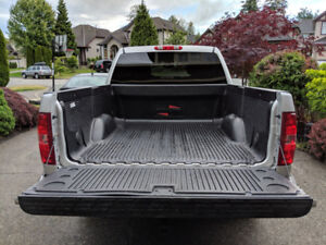 * Over Lap Truck Bed Liner with Tailgate Liner * Like New *