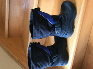 Boys boots size 12. Good condition