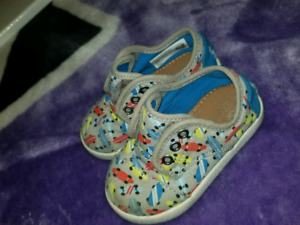 3 pairs of toddler shoes- barely used!