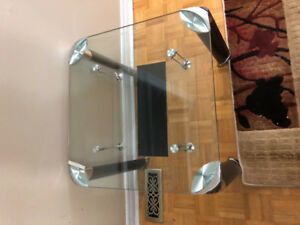 2 SMALL COFFEE TABLES FOR SALE!!!