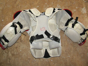 Vaughn Vision 9500 PRO Chest Protector - Adult Small Oakville / Halton Region Toronto (GTA) image 3