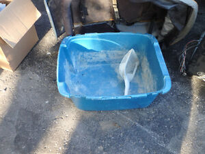 Free Cat litter box and scoop