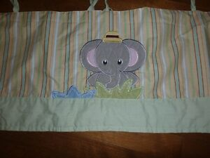 Jungle Theme Baby Room Window Valance Curtain West Island Greater Montréal image 3