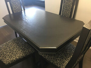 Custom-made Dining Table London Ontario image 1