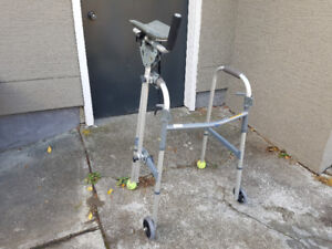 Lightweight adjustable height walker with additional arm rest