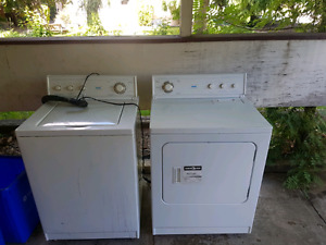 Nice Inglis washer / dryer set
