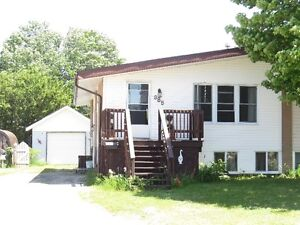 98b Axmith Avenue in Elliot Lake