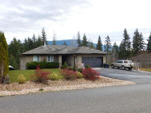Shuswap Lake Estates!! 2739 Golf Course Dr.