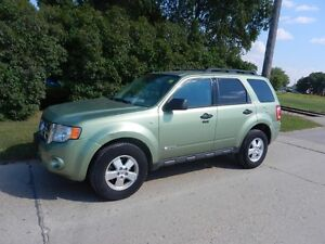 Ford Escape XLT - 4WD @1041 Marion st $6,288.00 ph:204-771-8252
