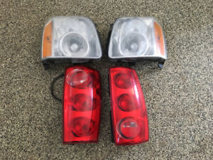 Headlights and taillights from GMC Yukon (2010)