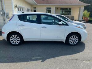2017 NISSAN LEAF- 30 KMS- FAST CHARGE-EXCELLENT CONDITION