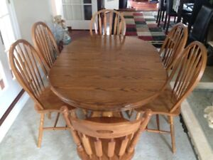 Solid Oak Dining Table c/w 6 Solid Wood Chairs