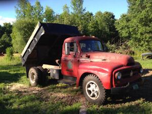 1951 International R160 Dump Truck
