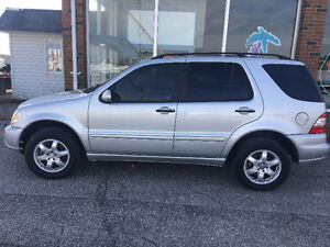 2004 Mercedes-Benz M-Class 5.0L SUV, Crossover