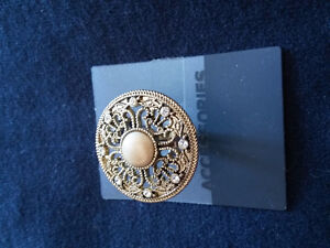 Brand new with tags women's statement ring size medium