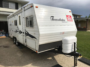 2002 Travelaire Rustler 24-foot trailer with bunk beds