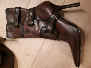 Brand new Aldo brown leather boots! Size 8 (Reg. $240)