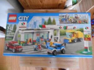 New LEGO Service Station 2-in-1