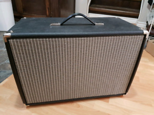 Traynor 1x12 cabinet new condition!