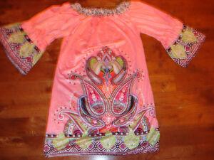 Robe pour fille de couleur rose avec motif XL