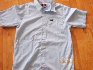 Chemises Quiksilver large et xlarge : 10$ chacune
