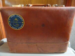 """Porte-document en cuir, des """" Années 60-70 """", à vendre."""