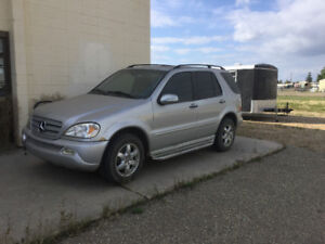 2003 Mercedes Benz ML500 SUV. AWD, 5 L V-8 engine.
