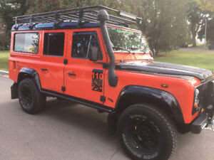 1999 Land Rover Defender 110  TD5 SUV, Crossover