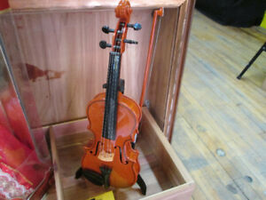 Mini Violin Toy For Sale at Nearly New!