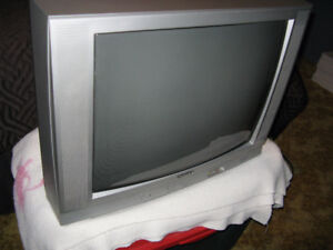 24 inch color tv