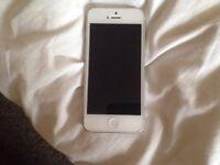 APPLE IPHONE 5 16GB GOOD CONDITION