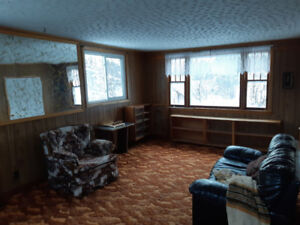 Country home and acreage for rent/sale in Central Economy