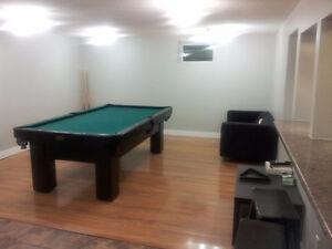 Large Room in 2-Bedroom Windsor Park Basement Suite