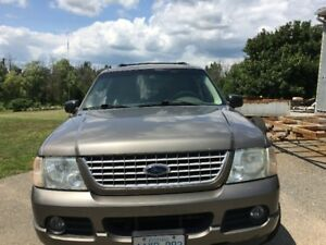 2002 Ford Explorer 4x4  Limited Edition  - V8