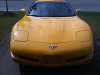 2003 Chevrolet Corvette Coupe (2 door)