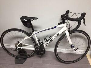 Vélo de route Specialized Dolce 2016 Blanc