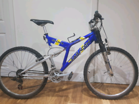 Saracen adult bike
