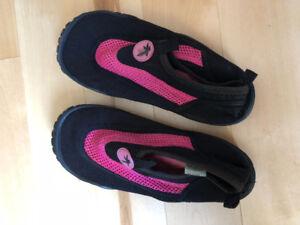 Chaussure de plage pour enfants grandeur 2