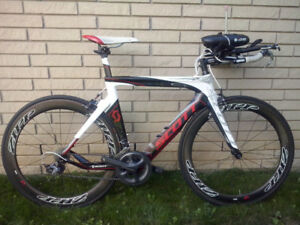Triathlon bike and accessories